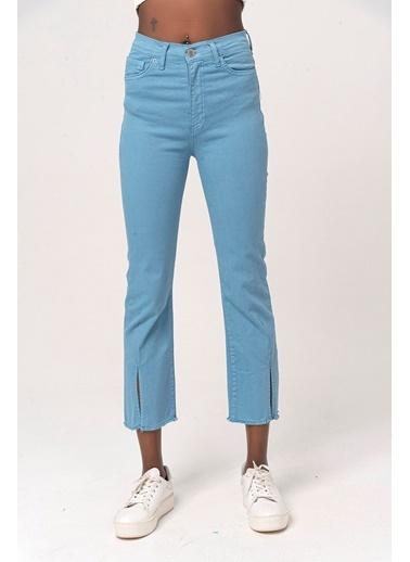 Coral Yırtmaçlı Denim Pantolon Mavi Mavi